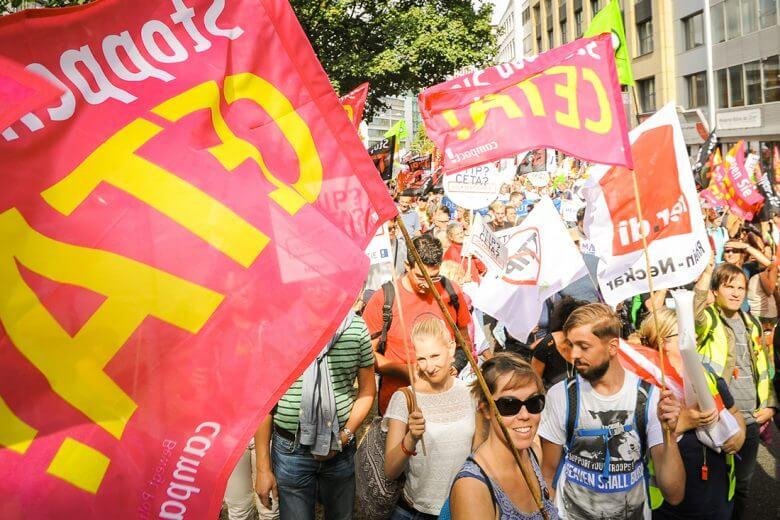 Erfolge Campact - Demonstration Stoppt CETA