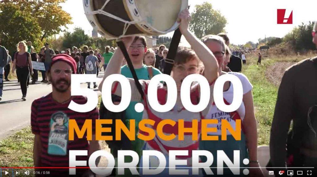 Aufbäumen gegen RWE: 50.000 Menschen protestieren am 6. Oktober gegen die Rodung des Hambacher Waldes und für einen schnellen Kohleausstieg.