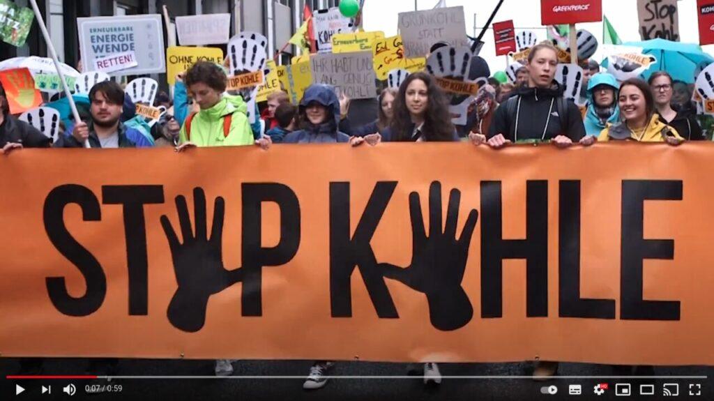 YouTube-Screenshot: In Berlin und 40 Städten fordern tausende Menschen: Kohle stoppen!